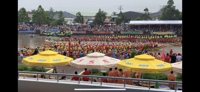 Mainstream Phú Cường tài trợ Lễ hội Ok Om Bok